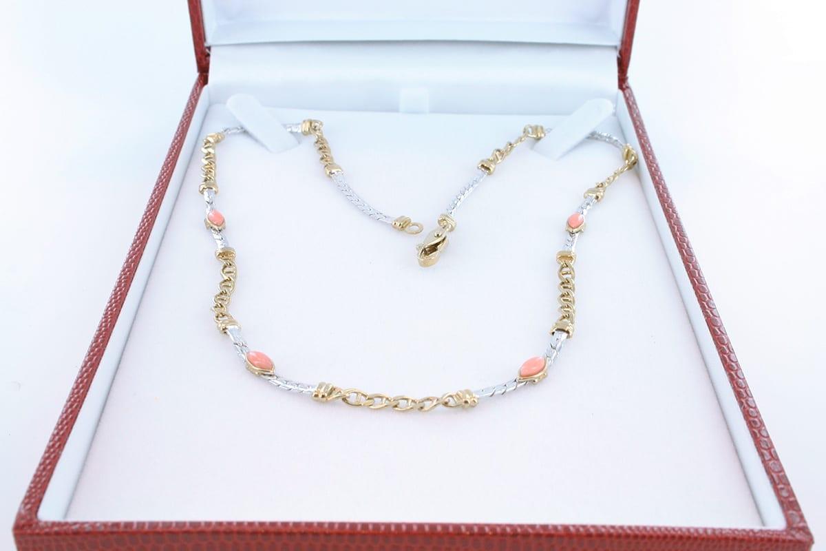 Collier en corail rose et plaqué or 016