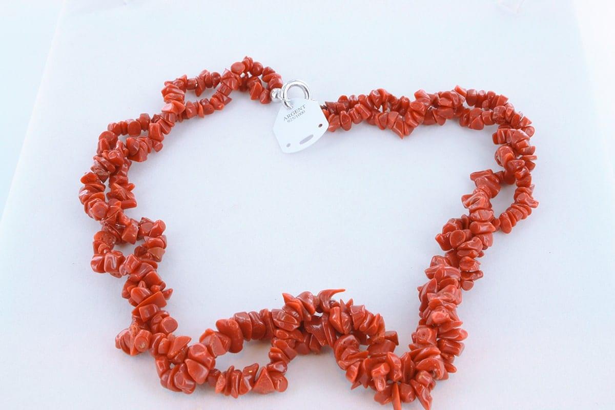 Collier en corail rouge véritable de Méditerranée 047