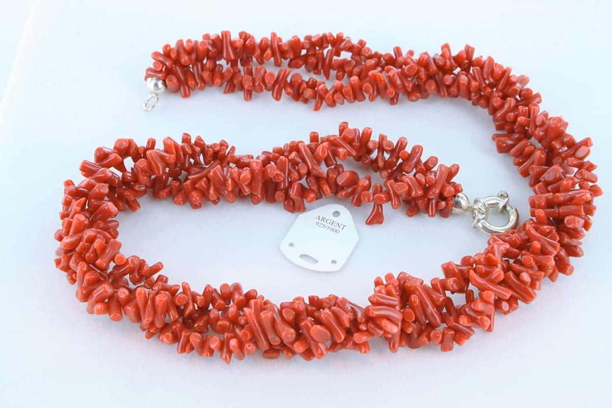 Collier en corail rouge véritable de Méditerranée 056