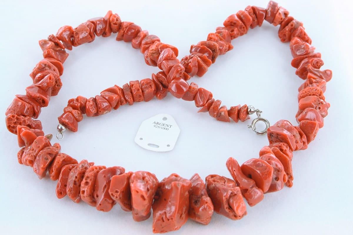 Collier en corail rouge véritable de Méditerranée 057