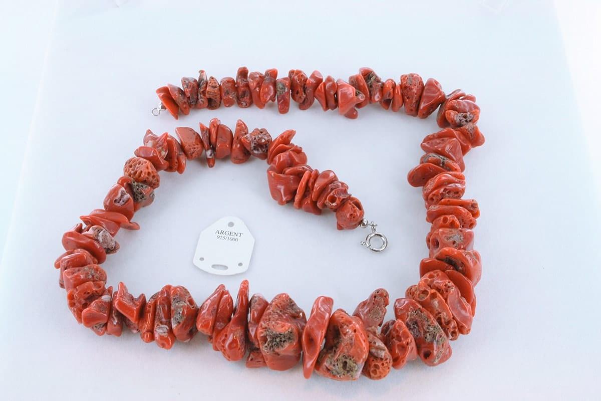 Collier en corail rouge véritable de Méditerranée 059