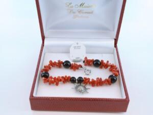 Bracelet en corail rouge véritable de Méditerranée et argent 925 par 1000 BR-CO-AR-019