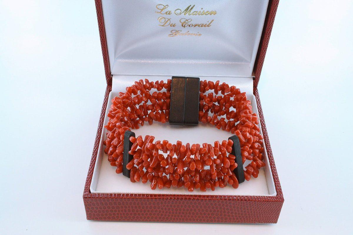Bracelet en corail rouge véritable de Méditerranée et argent 925 par 1000 BR-CO-AR-043