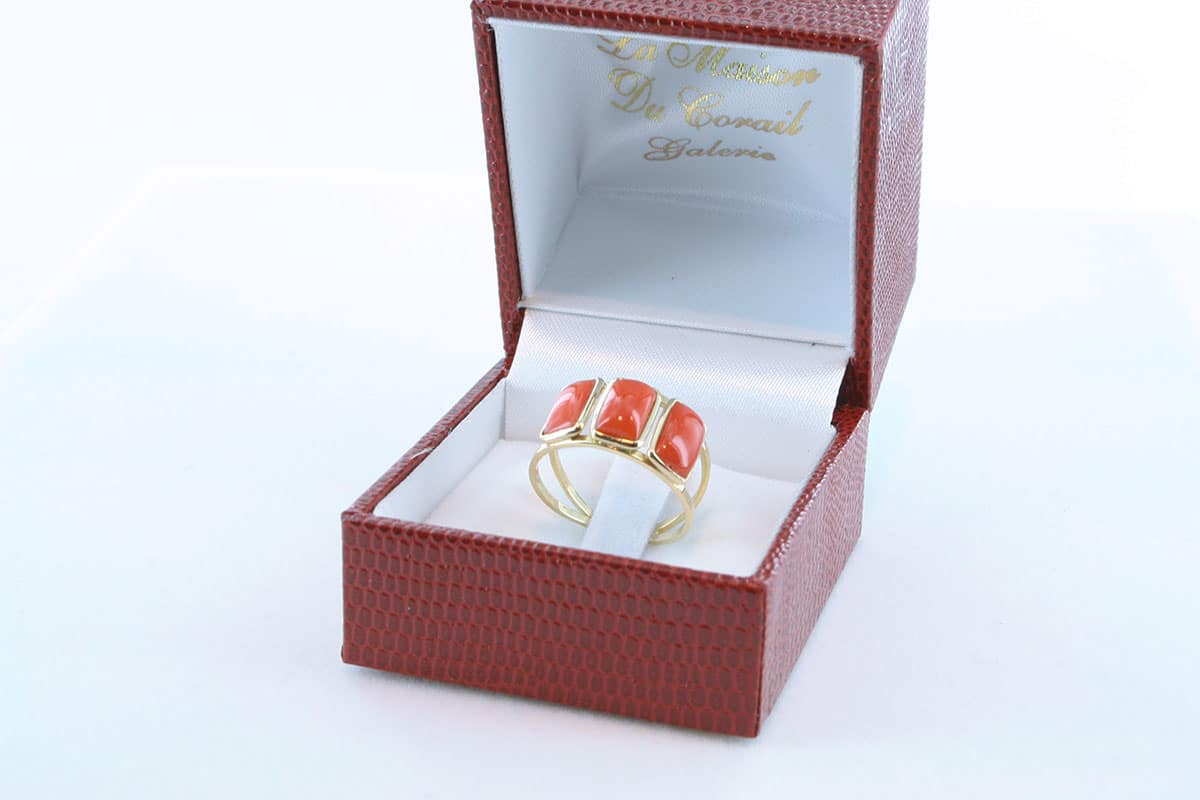 Bague corail rouge et or 750 par 1000 BA-CO-OR-002