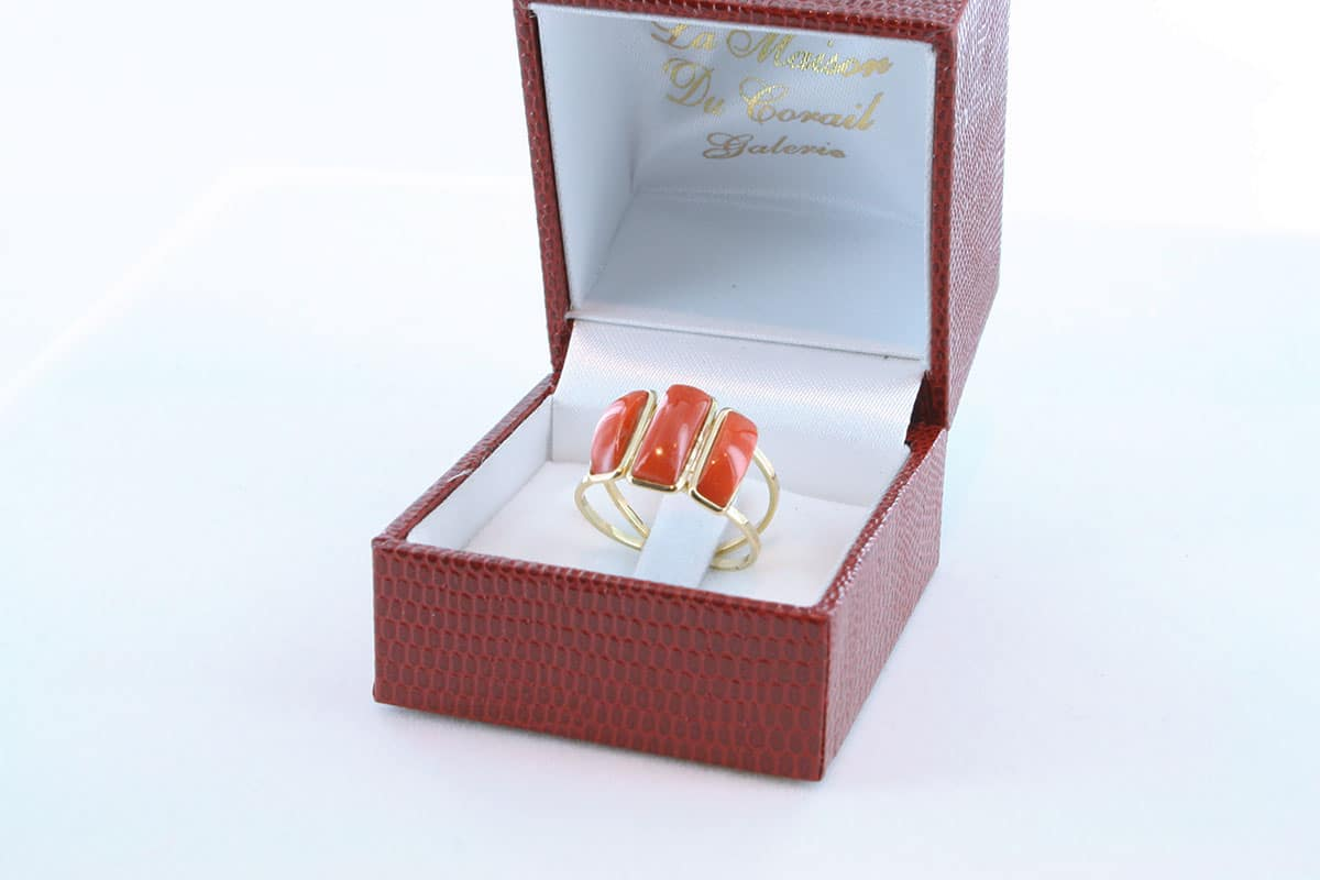 Bague corail rouge et or 750 par 1000 BA-CO-OR-004