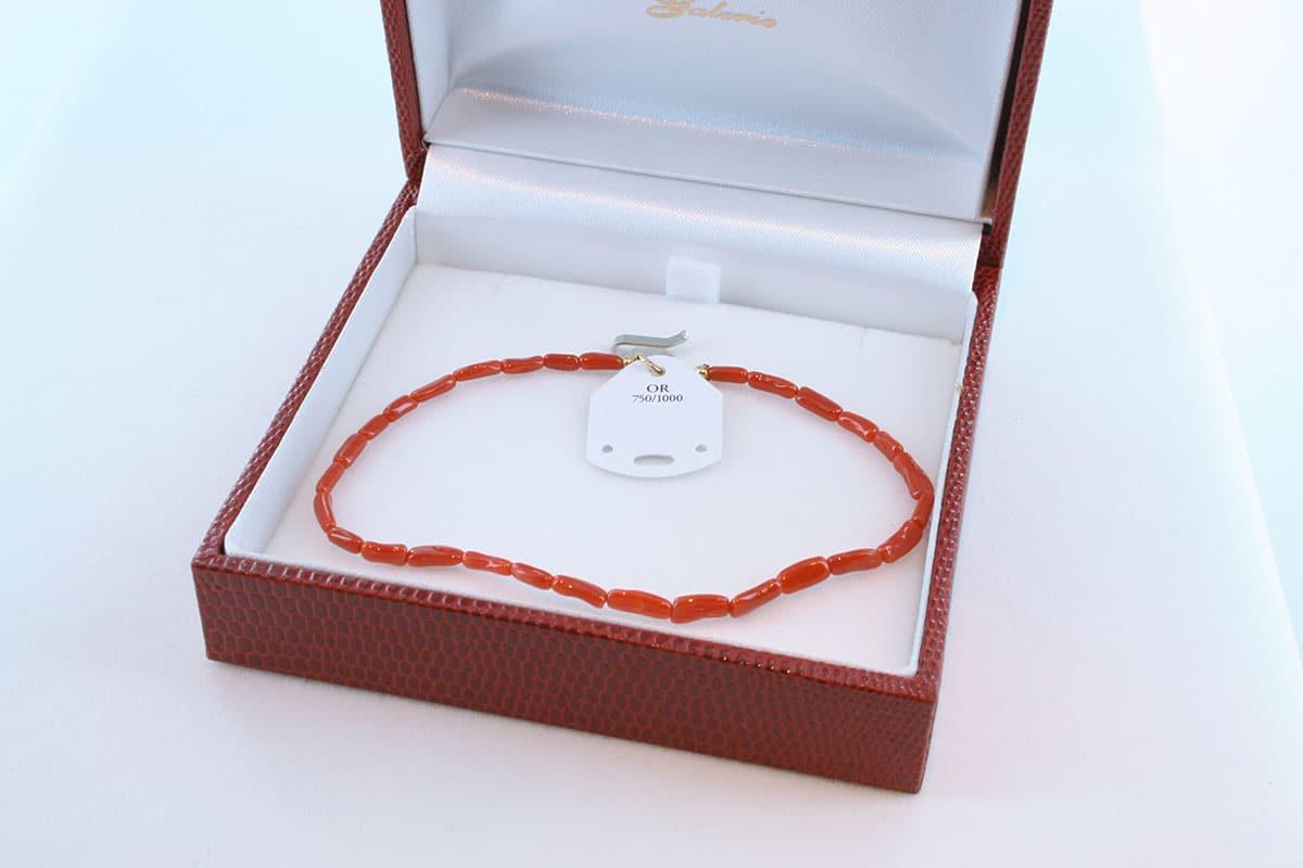Bracelet en corail rouge et or 750 par 1000 BR-CO-OR-001