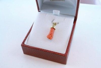 Pendentif en corail rouge et or 750 par 1000 PE-CO-OR-003
