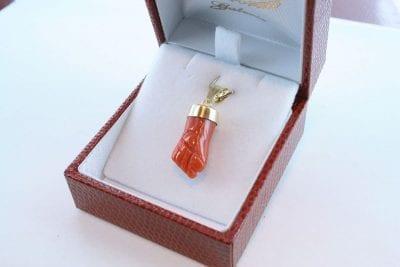 Pendentif en corail rouge et or 750 par 1000 PE-CO-OR-006