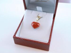 Pendentif en corail rouge et or 750 par 1000 PE-CO-OR-012