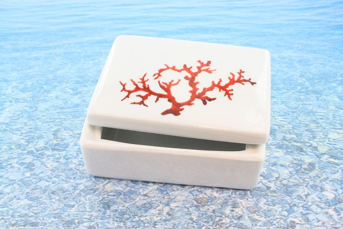 Coffret en porcelaine blanche décor corail PO-BL-CO-002