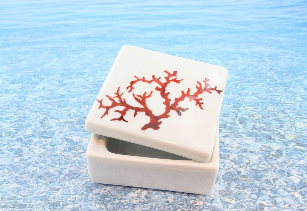 Coffret en porcelaine blanche décor corail PO-BL-CO-003 corail PO-BL-CO-004